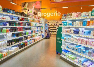 Drogerieabteilung im EDEKA-Markt in Haiger